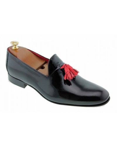 Moccasin with Pompons slippers sleepers Center 51 Prince black varnished leather with red tassels