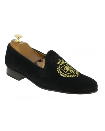Moccasin embroidered slippers sleepers Center 51 crown black suede
