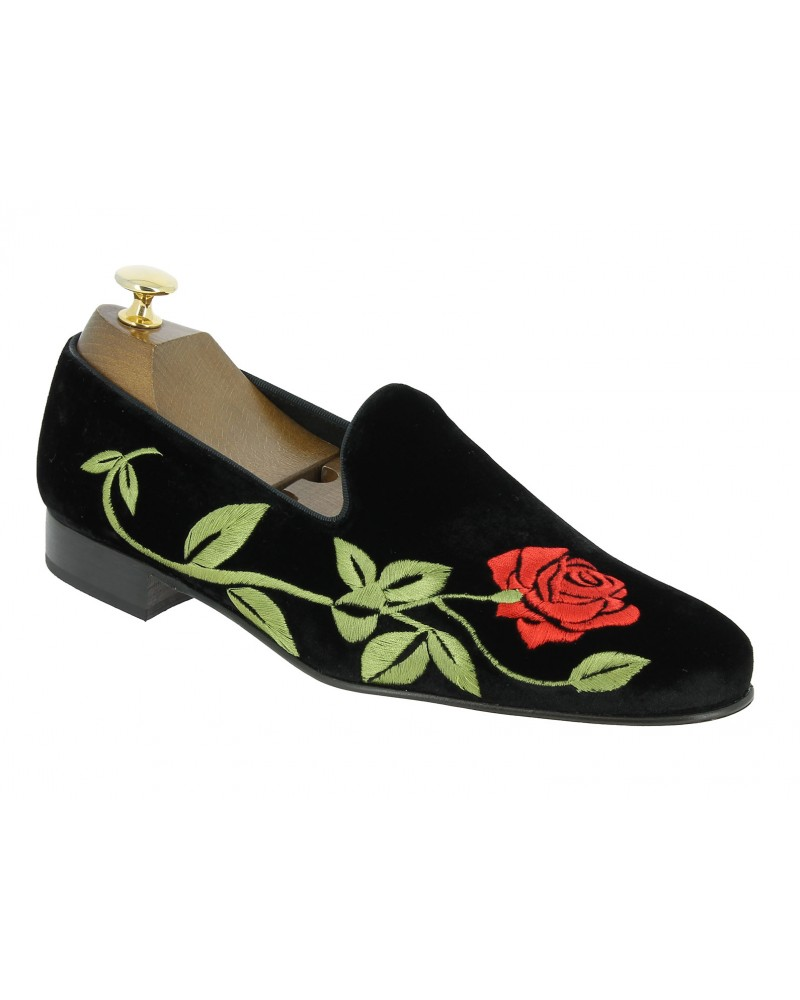 Moccasin embroidered slippers sleepers Center 51 Rose black velvet