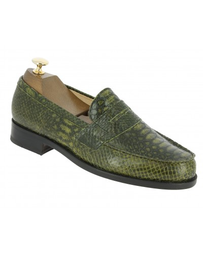Moccasin Center 51 1961 Tod green leather python print finish