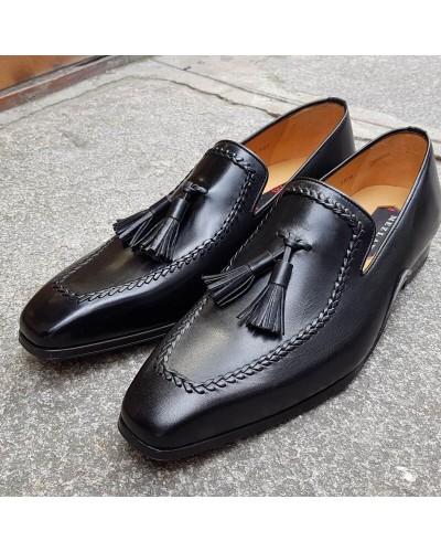 Moccasin shoe with pompons Mezlan 8452 black leather