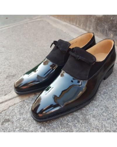 Moccasin Center 51 13105 black varnished leather