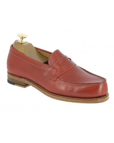 Moccasin Woman Center 51 0622 Wendy red leather