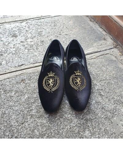 Moccasin embroidered slippers sleepers Center 51 crown black velvelt